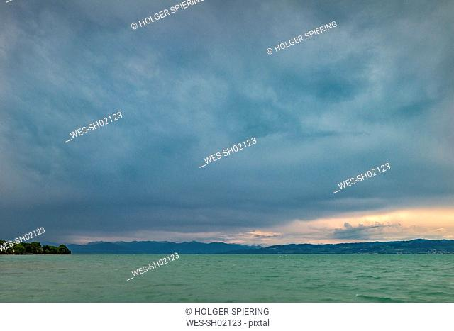 Germany, Baden-Wuerttemberg, Lake Constance, Langenargen, thunderclouds over Obersee