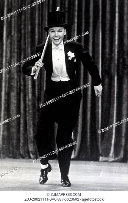 1950, Film Title: THREE LITTLE WORDS, Director: RICHARD THORPE, Studio: MGM, Pictured: CLOTHING, DANCING, DRAG, HAT, RICHARD THORPE, TOP, TUXEDO