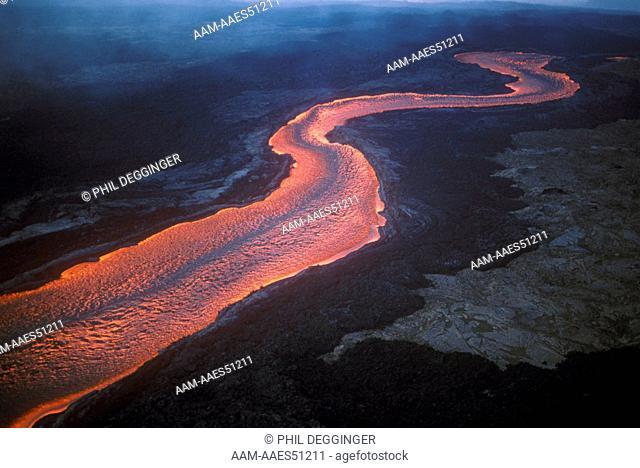 2000*F River of Fire Mauna Loa - Hawaii 4/84