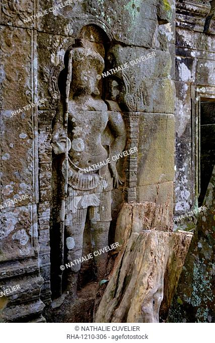 Temple of Prasat Thom (Prasat Kompeng), dated 9th to 12th century, temple complex of Koh Ker, Preah Vihear province, Cambodia, Indochina, Southeast Asia, Asia