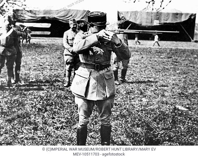 Rene Paul Fonck (1894-1953), French aviator during the First World War, known as the all-time Allied Ace of Aces. Seen here in a field between Le Hamel and Le...