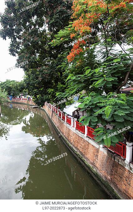 View along the Khlong Ong Ang canal central Bangkok Thailand