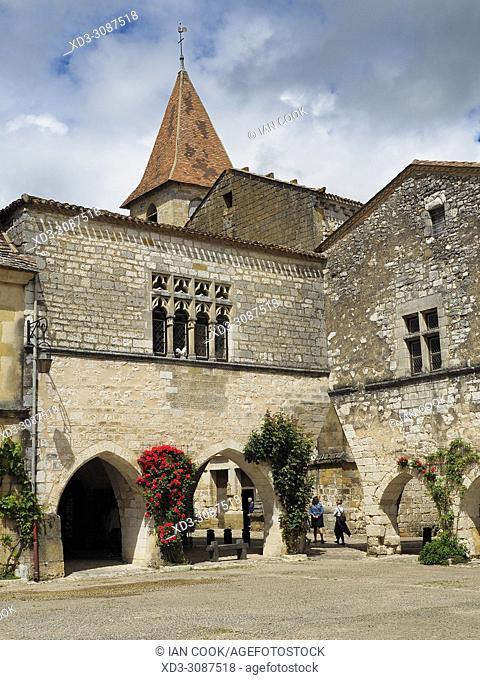 Place des Cornieres, Monpazier, Dordogne Department, Aquitaine, France