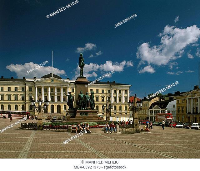 Finland, Helsinki, Senaatintori, monument, Czar Alexander II., Passers-by, summer, Helsingfors, Nyland, Uusimaa, capital, city, city view, senate-place