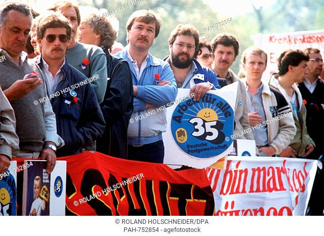 Participants of a demonstration during a rally of the Confederation of German Trade Unions for the 35-hours workweek on the 1st of May in 1984