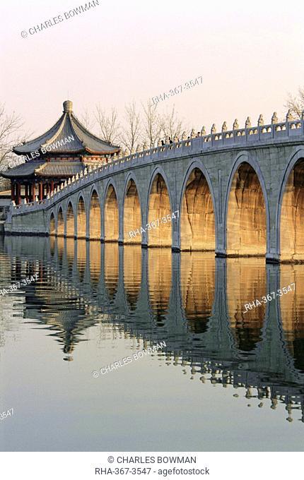 Seventeen Arch Bridge, Kunming Lake, Summer Palace, Beijing, China, Asia