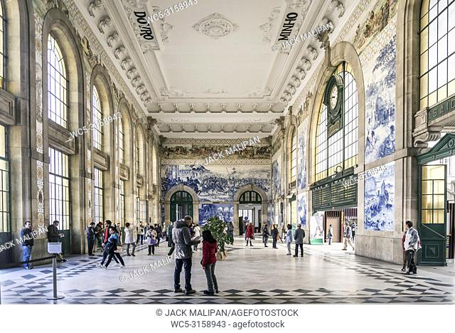 sao bento central railway station landmark interior in porto portugal