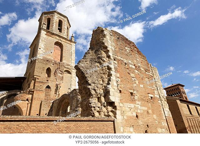 Sahagún, Spain: Bell tower of the Monastery of San Benito and the ruins of the Monastery of San Facundo and San Primitivo