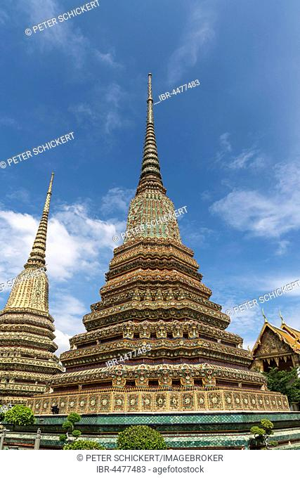 Chedi in Buddhist temple complex Wat Pho, Bangkok, Thailand