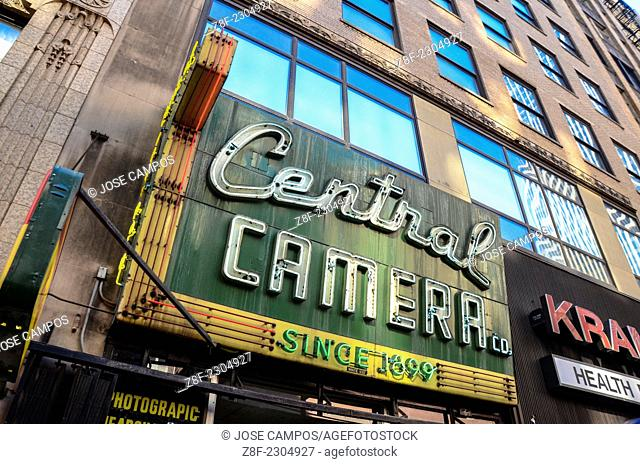 Chicago Downtown. Central Camera Store