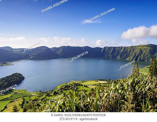 Lagoa das Sete Cidades, elevated view, Sao Miguel Island, Azores, Portugal