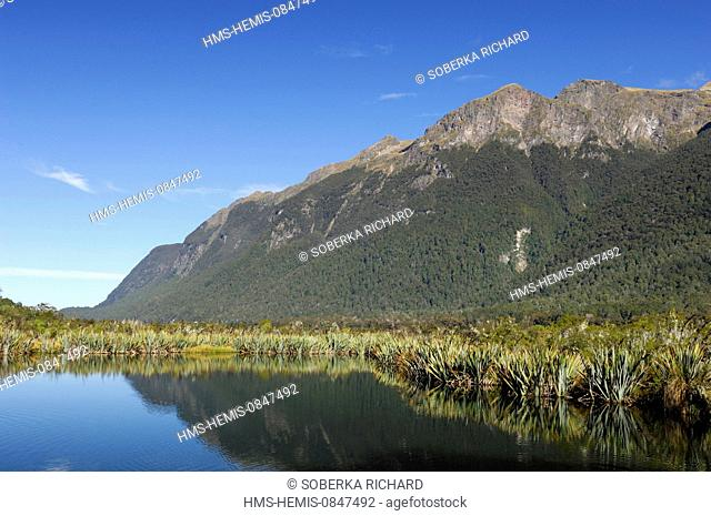 New Zealand, South Island, Southland Region, Te Wahipounamu site listed as World Heritage by UNESCO, Fiordland National Park, Mirror Lake