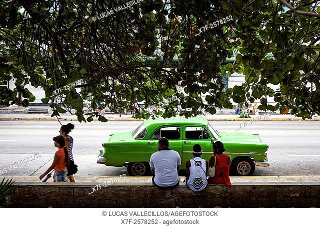 Street scene at 23 street, in La Rampa, near the Malecon, Vedado district, La Habana, Cuba