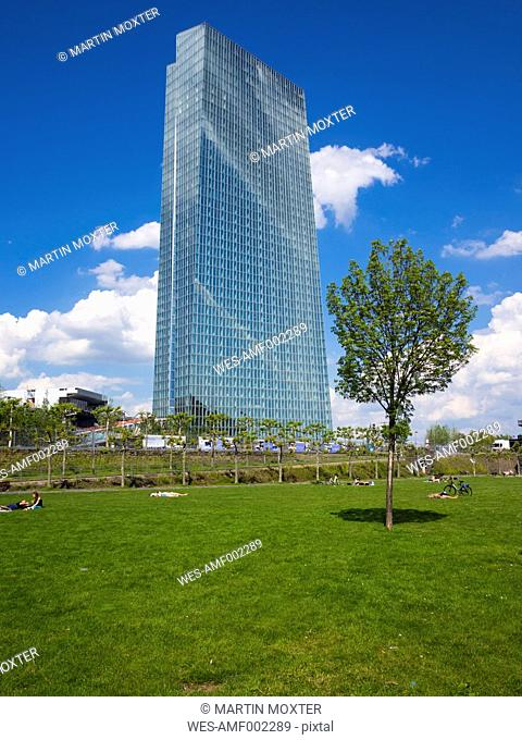 Germany, Hesse, Frankfurt, new building of European Central Bank with park in the foreground