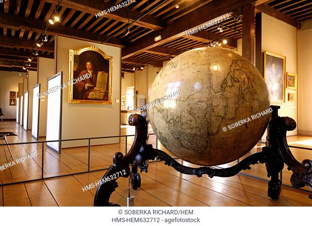 France, Nord, Lille, Old Globe in a gallery of the museum of the Hospice Comtesse