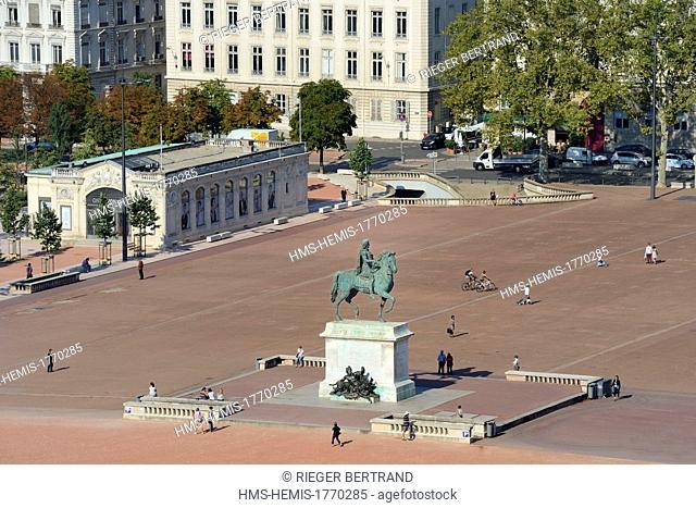 France, Rhone, Lyon, historical site listed as World Heritage by UNESCO, la place Bellecour in the district of La Presqu'Ile