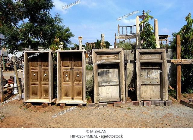 WOOD AND STONE WORK OF OLD KARAIKUDI HOUSES, TAMIL NADU