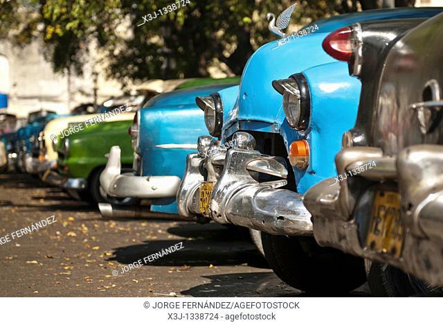 Old cars parked on the streets of La Habana, Cuba