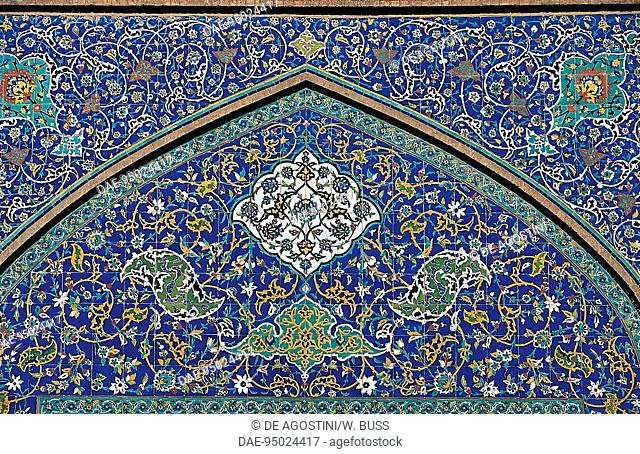Polychrome tile decoration, Sheikh Lutfollah Mosque (17th century) (Unesco World Heritage List, 1979), Isfahan, Iran