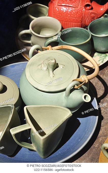 Ubud (Bali, Indonesia): tea pots sold at the market