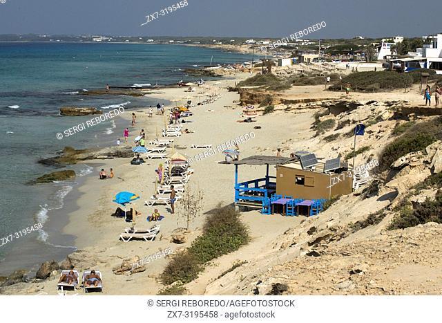 Migjorn beach, Formentera, Balears Islands, Spain. Hotel Riu la Mola. Holiday makers, tourists, Platja de Migjorn, beach, Formentera, Pityuses, Balearic Islands