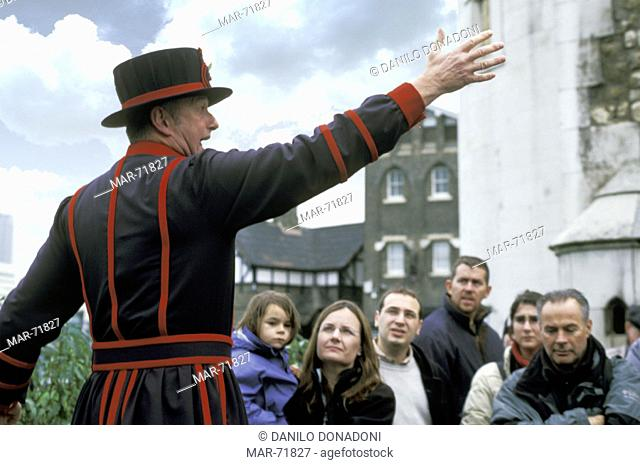beefeater and tourists, london, great britain