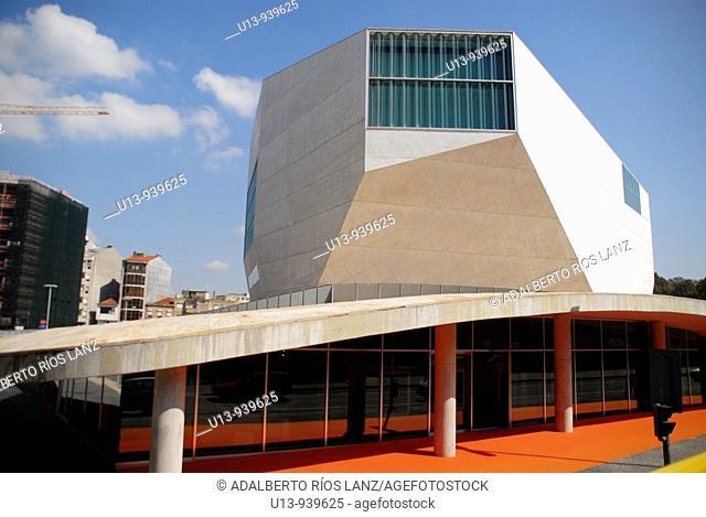 Casa da Musica concert hall by Rem Koolhaas, Porto, Portugal