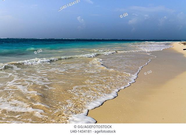 Mexico, Tulum, waves washing on shore