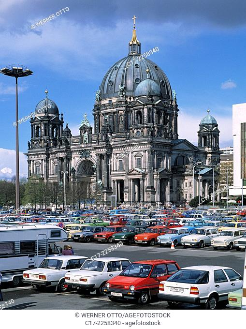 Germany, Berlin, Spree, Capital of Germany, Berlin-Mitte, Berlin Cathedral, evangelic church, renaissance, baroque, Marx Engels Square, nowadays Schlossplatz