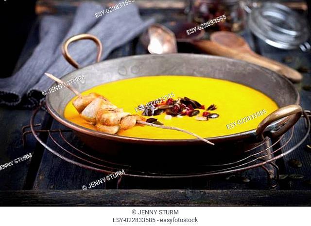 Kürbissuppe mit Hähnchen