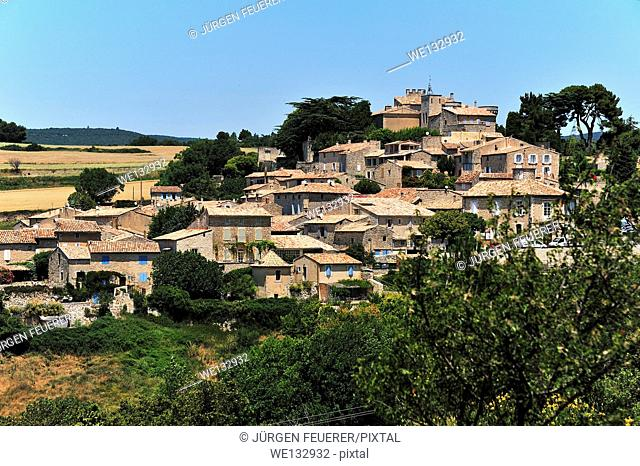 Murs, picturesque village situated on a hill, Vaucluse, Provence, France