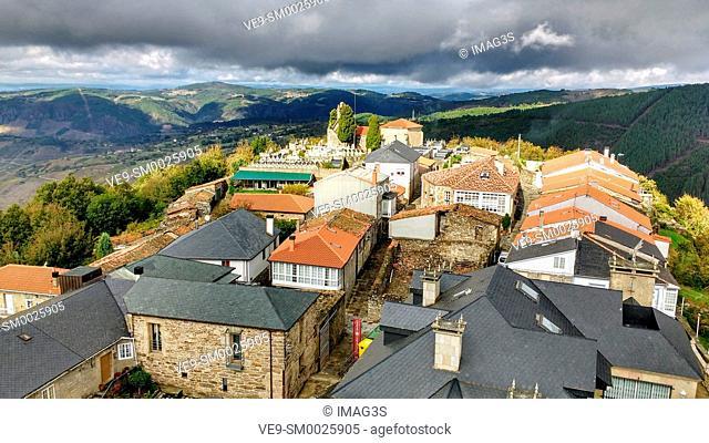 Castro Caldelas, Ribeira Sacra, Ourense, Galicia, Spain