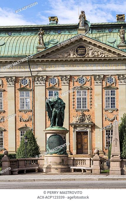 Riddarhuset or House of Nobility building with bronze statue of Gustavo Erici, Gamla Stan,Stockholm, Sweden, Europe
