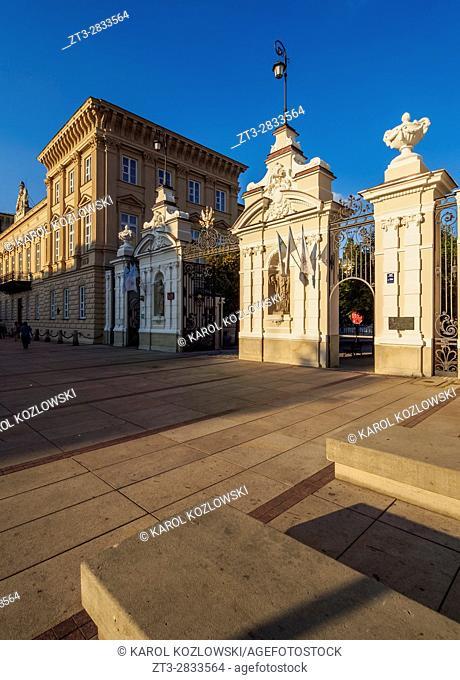 Poland, Masovian Voivodeship, Warsaw, Krakowskie Przedmiescie Street, Main gate of the University of Warsaw