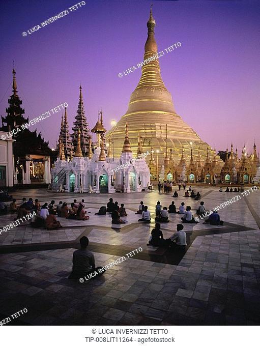 Myanmar Burma, Yangon, Shwedagon Pagoda at dusk