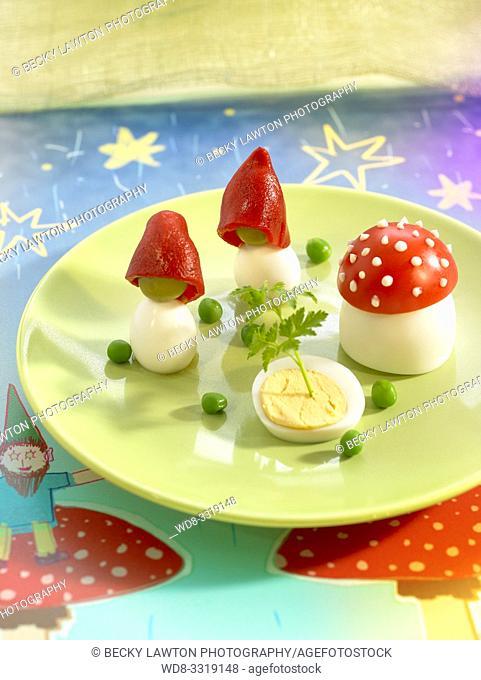los gnomos y las setas-huevos y tomates con mayonesa
