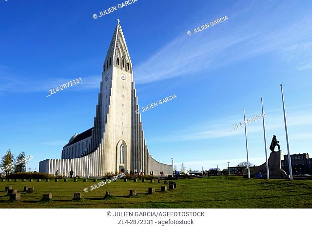 Iceland, Reykjavik, Hallgrimskirja (Hallgrim or Hallgrimur), the cathedral of Reykjavik, in concrete, it is 75m-high and among the tallest structures in Iceland