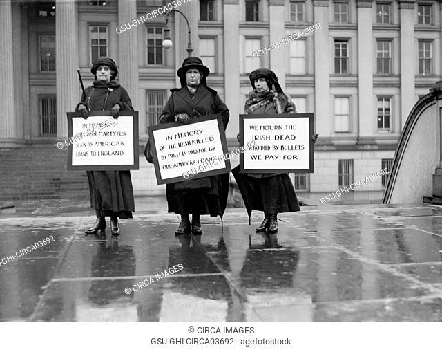 Three Women Picketing in Memory of Irish Dead, Protest of U.S. Loans to England, Washington DC, USA, Harris & Ewing, 1923