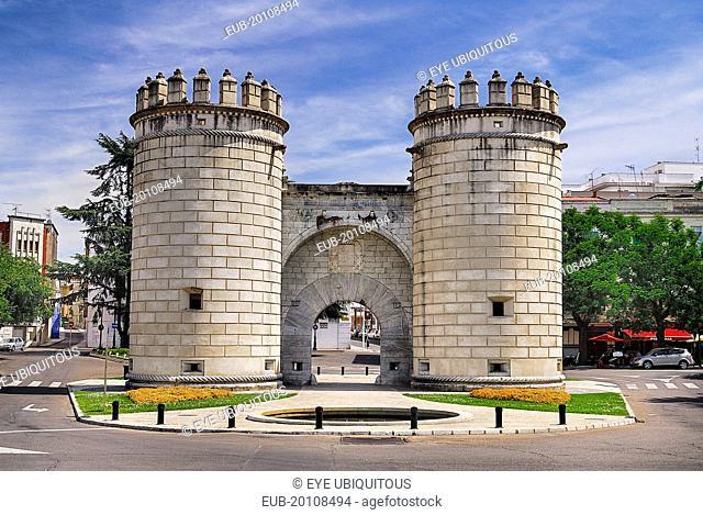 Puerta de Palmas monumental gateway