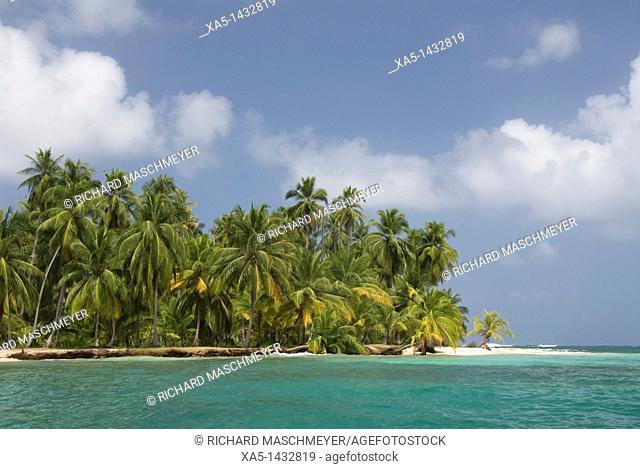 Diadup Island, San Blas Islands also called Kuna Yala Islands, Panama