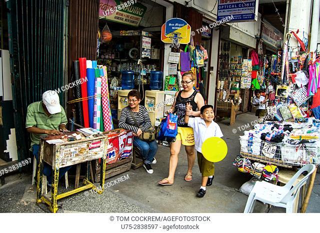 Street scene with pedestrians, Legazpi City, Philippines
