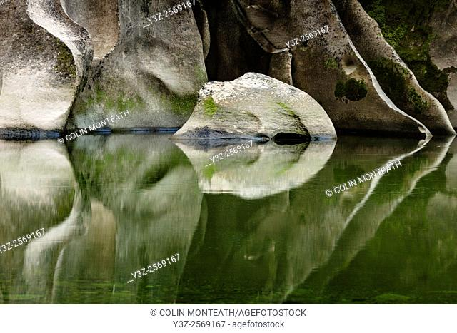Limestone reflections , Fox River , Paparoa National Park , New Zealand
