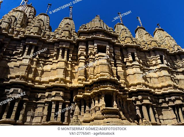These are a group of Jain temples dating back 12th and 15th centuries and are dedicated to various Jain Tirthankars (Hermits)