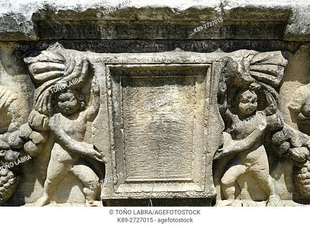 Sarcophagus with Garland (Roman Period). Aphrodisias. Ancient Greece. Asia Minor. Turkey