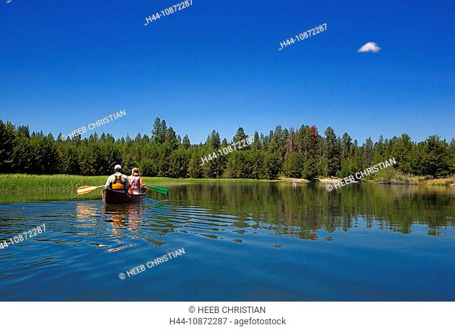 Canoeing on the Deschutes River, Bend, Central Oregon, Oregon, USA