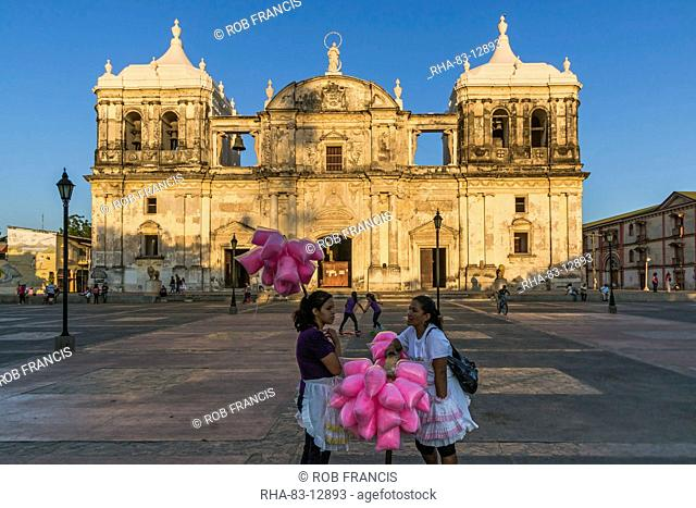 Candy floss sellers at Basilica de La Asuncion dating from 1610, Leon's Cathedral, the largest in Central America, UNESCO World Heritage Site, Leon, Nicaragua