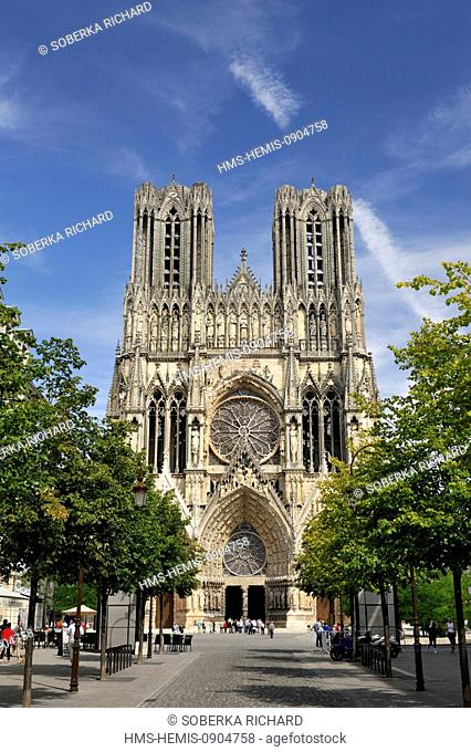 France, Marne, Reims, Notre Dame Cathedral listed as World Heritage by UNESCO, forecourt and facade