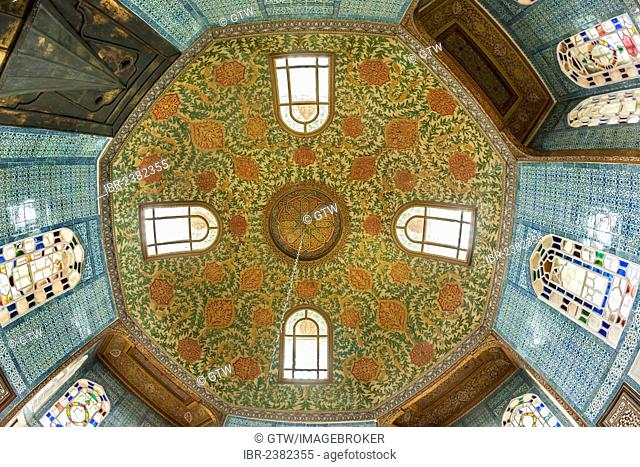 Dome of the Revan Kiosk, Harem of the Topkapi Palace, Unesco World Heritage Site, Istanbul, Turkey
