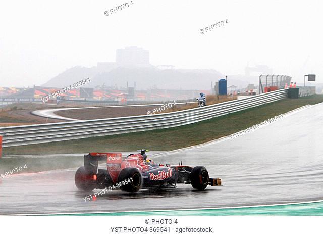 Friday Practice 1, Mark Webber AUS, Red Bull Racing, RB7, F1, Korean Grand Prix, Yeongam, Korean