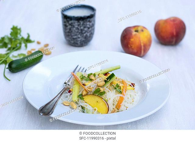 Rice noodle salad with peach
